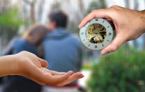 時計と恋人同士